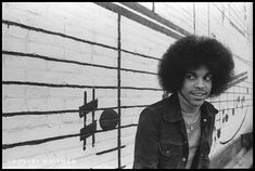 P Prince! Here are some rare shots of Prince Rogers Nelson outside Minneapolis' old Schmitt Music Headquarters in Mavis Staples, Sheila E, Old Prince, Young Prince, Baby Prince, Rare Historical Photos, Rare Photos, Prince Rogers Nelson, Purple Rain