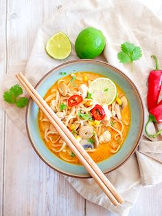 Chow Mein, Thai Red Curry, Eat, Tableware, Ethnic Recipes, Food, Drink, Dinnerware, Meal
