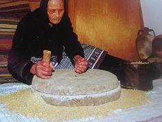Μαγικό Καπέλο: Η ΣΟΥΣΟΥΡΑΔΑ ΚΑΙ Η ΟΥΡΑ ΤΗΣ Bread, Farmer, Initials, Brot, Farmers, Baking, Breads, Buns