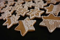 Have yourself a Swedish Fika and enjoy this recipe for gluten-free Pepparkakor! Christmas Gingerbread House, Christmas Candy, Christmas Treats, Gingerbread Cookies, Christmas Cookies, Christmas Time, Baking With Almond Flour, Wonderful Recipe, Icing Recipe