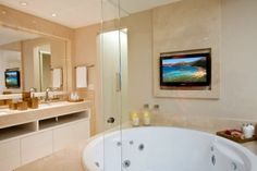 Banheiros on pinterest modern bathrooms tropical for Bathroom remodel 76244