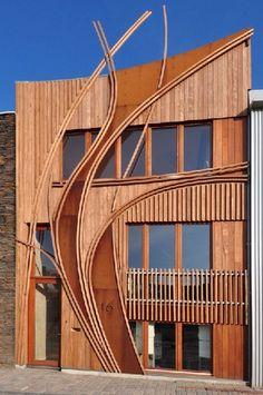 Creatieve houten gevels sieren Nieuw Leyden