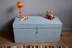 Malle en bois coffre à jouets vintage rétro bohème patiné années 50