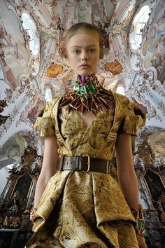 Alexander McQueen F/W 2010, Frida Gustavsson on the runway at the presentation x a Church in Florencevia