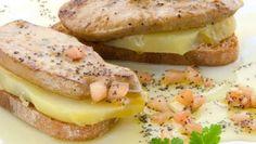 Tosta de patata con foie y vinagreta de semillas de amapola