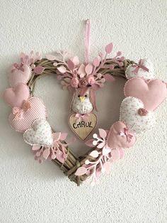 Owl Wreaths, Wreath Crafts, Diy Wreath, Valentine Wreath, Valentine Crafts, Easter Crafts, Scented Sachets, Diy Ostern, Heart Crafts