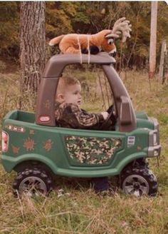Bringing his kill in with his Cozy Coupe Truck. Cute Kids, Cute Babies, Baby Kids, Baby Boy, Cozy Coupe Truck, Baby Pictures, Baby Photos, Little Tykes Car, Little Tikes Makeover