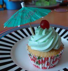 hawaiia+hawaiian+cupcake+cupcakeideas | Blue Hawaiian | Hey Cupcake! Ideas