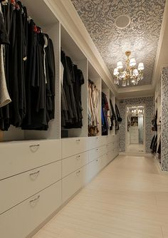 6 Tips to Create a Luxury Walk in Closet Walk In Closet Design, Wardrobe Design Bedroom, Master Bedroom Closet, Wardrobe Closet, Closet Designs, Walk In Closet Inspiration, Ikea Living Room, Living Rooms, Dressing Room Design