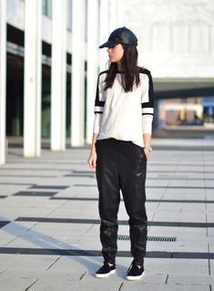 outfit baggy leather pants cap sporty celine like vans