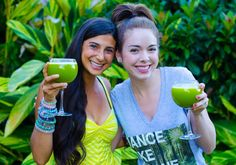 The FullyRaw Juice for Beauty! 4 ingredients to get the glow! You don't have to be raw, vegan, wear makeup, or dress nice to feel beautiful! Let your beauty shine from the inside out! http://www.youtube.com/watch?v=xJt_wKXpdAg&feature=share&list=UU_cOrj8dlCqYnGgp0xdkxow