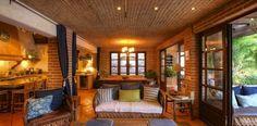High curved brick ceiling. Casita Camino al Mar Bucerias, Villa Experience Mexico