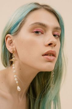Young Blood: Five New Hunger TV Fashion Editorials (The Hunger Magazine online) Red Carpet Makeup, Grey Makeup, Hair Makeup, Munich Models, Hunger Magazine, Maddie Ziegler, Hair Reference, Fashion Tv, Aesthetic Makeup
