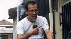 Berita Islam ! Proses Hukum terhadap Hidayat Bukti Upaya Pembungkaman Sikap Kritis Masyarakat... Bantu Share ! http://ift.tt/2wRAMNj Proses Hukum terhadap Hidayat Bukti Upaya Pembungkaman Sikap Kritis Masyarakat  Jakarta- Proses hukum terhadap Muhammad Hidayat pelapor Kaesang dan pengunggah video dugaan provokasi yang dilakukan oleh mantan Kapolda Metro Jaya Irjen M Iriawan dinilai merupakan upaya pembungkaman terhadap sikap kritis masyarakat. Hal itu dikatakan oleh Sekretaris PP Pemuda…