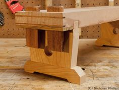 Affine Creations — Small Japanese Workbench Been doing a lot of… - Holzbearbeitung Japanese Carpentry, Japanese Woodworking Tools, Japanese Tools, Woodworking Joints, Woodworking Books, Woodworking Workbench, Woodworking Furniture, Woodworking Projects, Woodworking Basics
