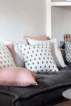 Cushion cover with pompom trim   H&M  