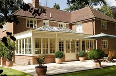 modern kitchen orangery in Newbury Orangery Extension Kitchen, Orangerie Extension, Kitchen Orangery, Orangery Conservatory, Conservatory Extension, Kitchen Diner Extension, Conservatory Design, Garden Room Extensions, House Extensions