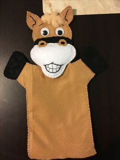 Titere de caballo Felt Puppets, Finger Puppets, Felt Crafts Diy, Crafts For Kids, Cowboy Girl, Diy Toys, Toddler Activities, Sewing, Fabric