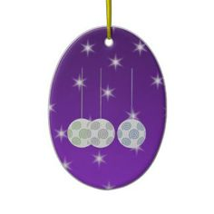 3 White Christmas Baubles on Purple Background. White Christmas, Christmas Tree Ornaments, Christmas Holidays, Christmas Crafts, Purple Style, Homemade Christmas Decorations, Holiday Gifts, Holiday Decor, Purple Backgrounds