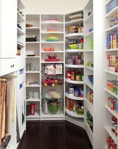 Lazy susan in corner of walk-in pantry. I am sooo doing this! The Closet Works, Inc. - traditional - kitchen - philadelphia - by The Closet Works, Inc. by Asmodel Kitchen Pantry Design, Kitchen Corner, Kitchen Decor, Corner Pantry, Pantry Room, Pantry Closet, Kitchen Ideas, Kitchen Pantries, Smart Kitchen