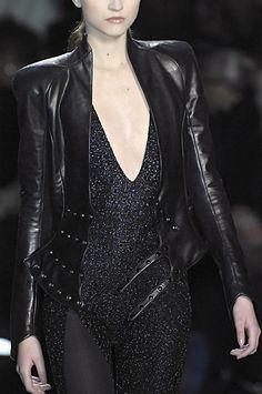 ....this jacket...I need it! <3