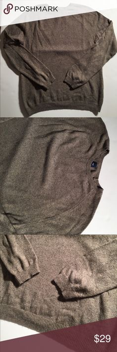 Men's GAP Crewneck Sweater in Light Brown Men's GAP Crewneck Sweater in Light Brown (heathered). Excellent condition! GAP Sweaters Crewneck