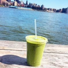 SUnny day here in NYC, so I took a smoothie break by the seaport :) Green Power from @terrirestaurant my fave! #smoothie #greensmoothie #plantbased #vegan #vegannyc #veganprotein #terrinyc