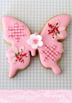 Patchwork Butterfly Cookie decorated with patchword edible printing Fancy Cookies, Iced Cookies, Biscuit Cookies, Cute Cookies, Yummy Cookies, Sugar Cookies, Cupcakes, Cupcake Cookies, Butterfly Cookies