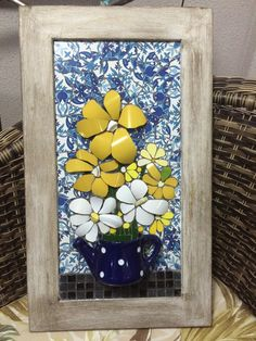 Mosaico - Quadro feito com xícaras e azulejo portugues Mosaic Crafts, Mosaic Projects, Mosaic Art, Mosaic Glass, Mosaic Tiles, Tiling, Hobbies And Crafts, Fun Crafts, Mosaic Flower Pots