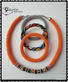 Modelim ve dizilişi 💙💙 lacivert boncuktan dizmeye başlıyoruz 8li hapishaneişi 😍😍 yapacaklara kolay gelsin🤗🤗#Gülşahobi #kendimcetakılarım… Crochet Bracelet, Bead Crochet, Peyote Patterns, Beading Patterns, Beaded Jewelry, Beaded Necklace, African Jewelry, Crochet Flowers, Seed Beads