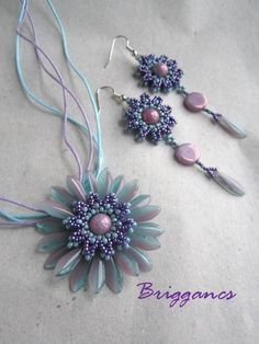 Briggancs, beaded pendant and earrings flowers