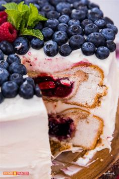 For July 4th, bake a cake … with two pies inside it