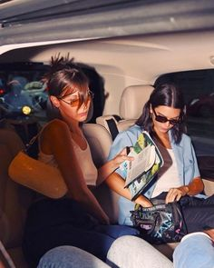 View the Kendall Jenner style report, the most beneficial looks attached by on pattern Kendall. Kardashian Jenner, Kylie Jenner, Le Style Du Jenner, Carla Bruni, Friend Goals, Kendall Jenner Outfits, Friend Pictures, Bella Hadid, Gigi Hadid