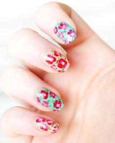 Great floral nail art tutorial - definitely going to try this! Spring Nail Art, Spring Nails, Summer Nails, Cute Nails, Pretty Nails, Sexy Nails, 3d Nails, Nailart, Floral Nail Art