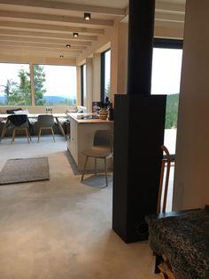 STUDIO10 fronter i kryssfiner av bjerk. Kjøkkenskrog fra IKEA. #ikea #kjøkken #kitchen #studio10 #plywood  #cabin #hytte #bora