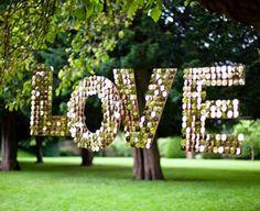 Decoideas: haz tu propio love sign ] Hora Punta #DIY http://www.horapunta.com/noticia/10538/MODA-Y-BELLEZA/Decoideas:-haz-tu-propio-love-sign.html