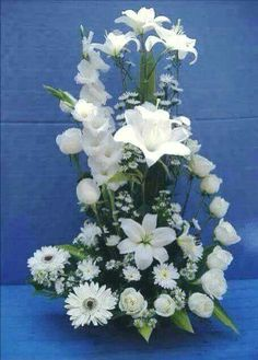 32 Ideas For Flowers Arrangements White Modern - Blumendeko - Arranjos Tropical Floral Arrangements, Creative Flower Arrangements, Funeral Flower Arrangements, Beautiful Flower Arrangements, Unique Flowers, Beautiful Flowers, Church Flowers, Funeral Flowers, Ikebana