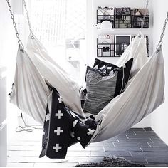 Can we do Sunday over? One day off sometimes is not enough! #regram @Chris Kamali #hammock #snooze #tired #hopeandme #Padgram