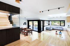 Contemporary Home - Connaught Residence - UltraLinx. ladrillo blanco y negro espacios interesantes