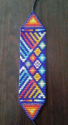 Beaded Bracelet Patterns, Peyote Patterns, Beading Patterns, Beaded Bracelets, Collar Indio, Peyote Beading, Resin Crafts, Bead Art, Friendship Bracelets