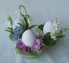 Lovely Easter Eggs - Lovely Still Life Wallpapers and Images Egg Crafts, Easter Crafts, Diy And Crafts, Seasonal Celebration, Holiday Themes, Hoppy Easter, Easter Eggs, Diy Ostern, Egg Holder