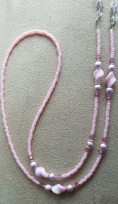 Oh so pretty in pink eyeglass chain. Beaded Jewelry Designs, Handmade Jewelry, Pink Eyeglasses, Beaded Necklace, Beaded Bracelets, Bohemian Bracelets, Bijoux Diy, Schmuck Design, Jewelery