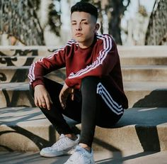 Adidas Tracksuit Mens, Mens Photoshoot Poses, Estilo Cool, Freestyle Rap, Men Photography, Adidas Outfit, Male Poses, Tumblr Boys, Hot Boys