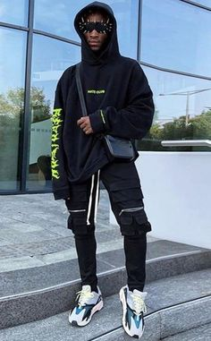 Price of Womens Adidas Yeezy Boost 700 Wave Runner Black Hoodie Outfit, Oversized Hoodie Outfit, Rapper Outfits, Sport Outfits, Parisian Girl, Lookbook, Streetwear Fashion, Streetwear Clothing, Street Wear