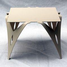 Bout de canapé, table de chevet ivoire.