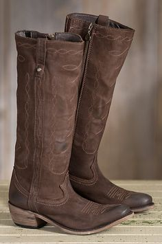 Premium bovine leather showcases all-over contrast stitching for a decorative, feminine boot that isn't afraid to get dirty. Free shipping + returns.
