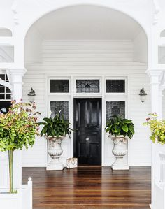 🌟Tante S!fr@ loves this 📌🌟This front door and surrounding stained glass are all original. The bespoke light fittings from Highgate House complement the heritage architecture. Beautiful Front Doors, Black Front Doors, Br House, House Front, Brisbane, Queenslander House, Weatherboard House, Front Door Design, Just Dream
