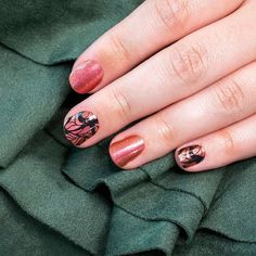 Paint your fingertips with the coolest fall nail designs to instantly graduate your look from basic to brilliant. Wing It On's butterfly wing motif is especially dazzling in a shimmery, burnished red to copper duochrome. Get fall ready nails in minutes with Color Streets updated nail inspiration. Style your nails this season with a gorgeous color everyone will love. #fallnaildesign #autumnnaildesign #autumnclassyfallnaildesign Dry Nail Polish, Nail Polish Strips, Fall Nail Designs, Simple Nail Designs, Nail Length, Nails At Home, Color Street Nails, Holiday Nails, Perfect Nails