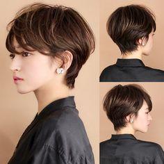 Edgy Short Hair, Asian Short Hair, Medium Short Hair, Medium Hair Styles, Asian Haircut, Haircut For Thick Hair, Popular Short Haircuts, Short Hairstyles For Women, Korean Hair Color