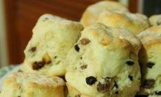 If you liked my Easy Scone Recipe you are going to love these Easy Fruit Scones! They're packed with fruit, simple to make, and only need 5 ingredients! 3 Ingredient Scones, Fruit Scones, Scones Ingredients, Delicious Chocolate, Tray Bakes, Baked Goods, Easy Meals, Grey Kitchens, Treats